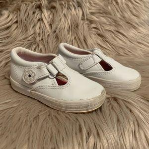 Keds • Daphne t strap sneakers Sz 7 wide